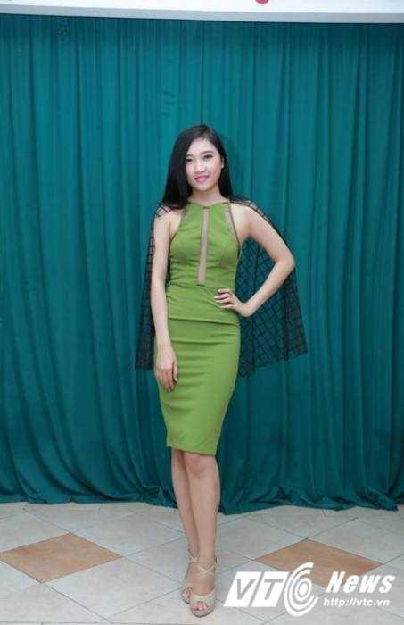 Hot girl Dai hoc Nguyen Tat Thanh xinh dep 'hut hon' dan mang hinh anh 2