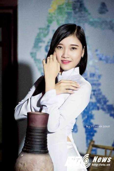 Hot girl Dai hoc Nguyen Tat Thanh xinh dep 'hut hon' dan mang hinh anh 3