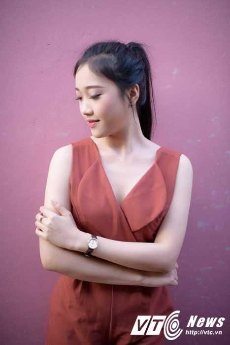 Hot girl Dai hoc Nguyen Tat Thanh xinh dep 'hut hon' dan mang hinh anh 5