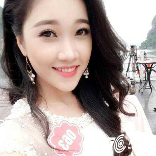 Hot girl Dai hoc Nguyen Tat Thanh xinh dep 'hut hon' dan mang hinh anh 12