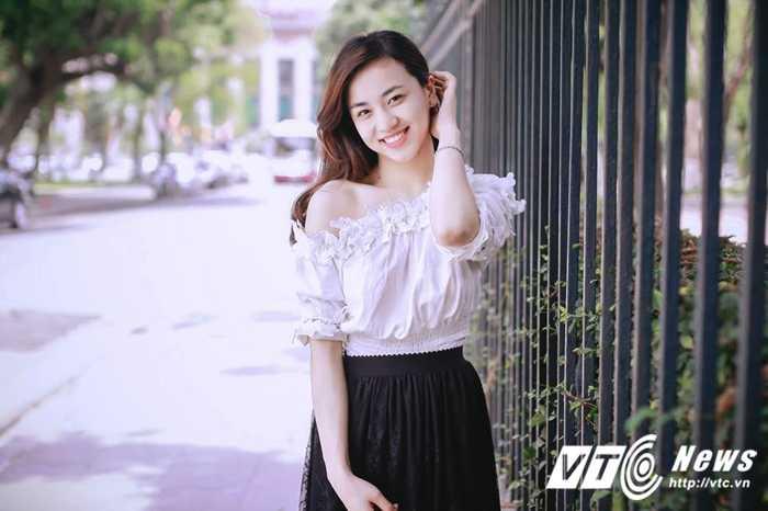 Ngam ve dep trong veo cua hot girl Dai hoc Phuong Dong hinh anh 14