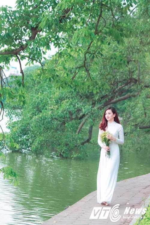 Ngam ve dep trong veo cua hot girl Dai hoc Phuong Dong hinh anh 9