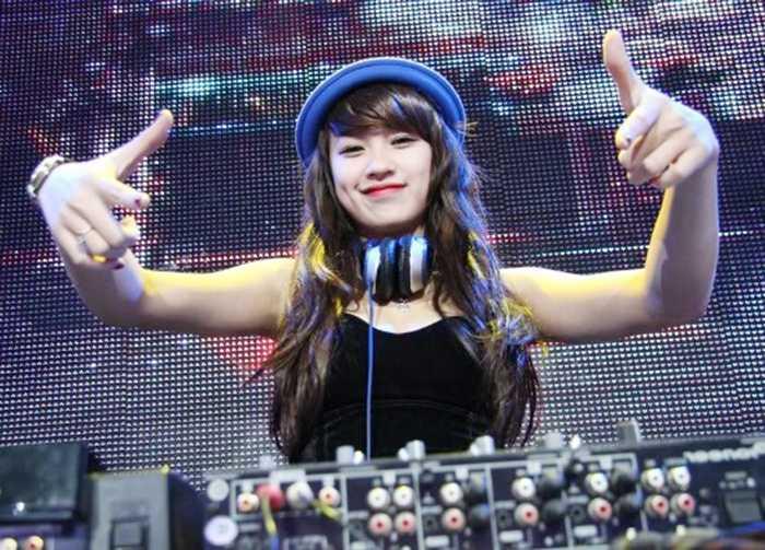 Nhung nu DJ xinh dep so huu than hinh quyen ru van nguoi me hinh anh 14