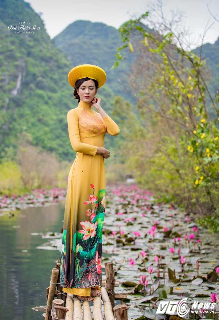 Nu sinh Ngoai thuong cao nhu sieu mau 'tha dang' tren Suoi Yen hinh anh 1