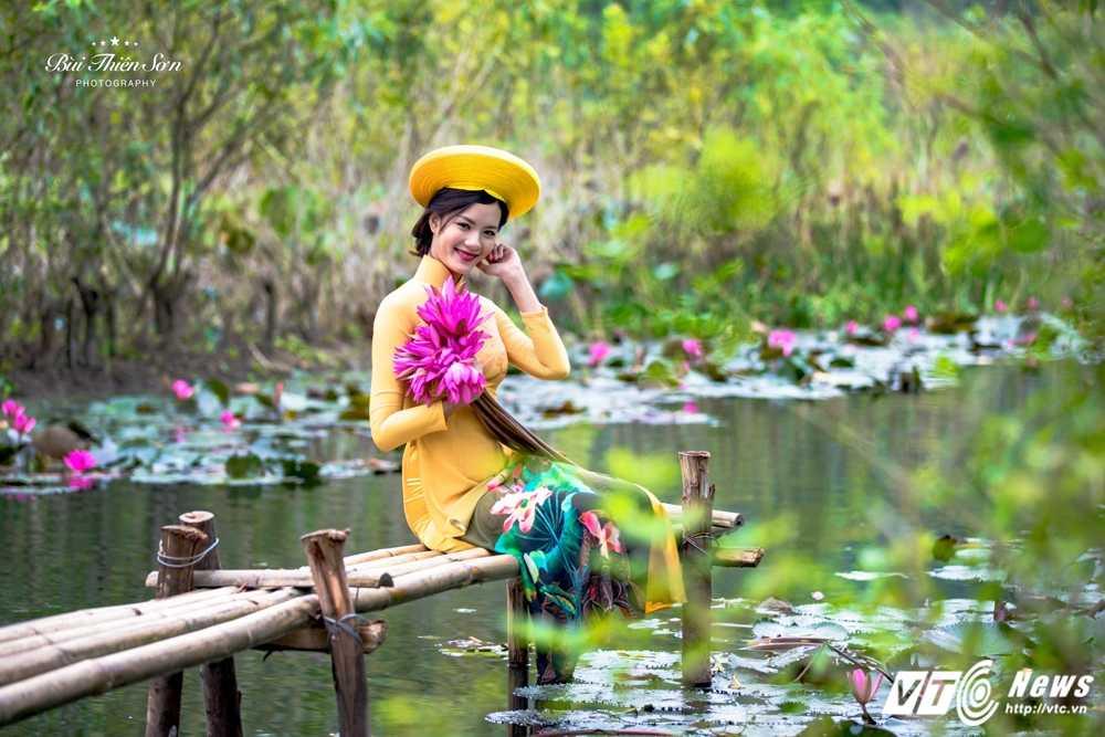 Nu sinh Ngoai thuong cao nhu sieu mau 'tha dang' tren Suoi Yen hinh anh 7