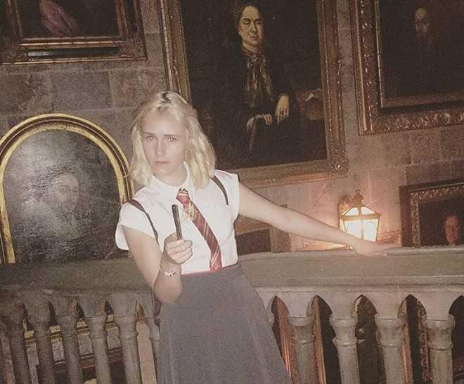 Lo dien 'ban sao' xinh dep cua nu dien vien Emma Watson hinh anh 7