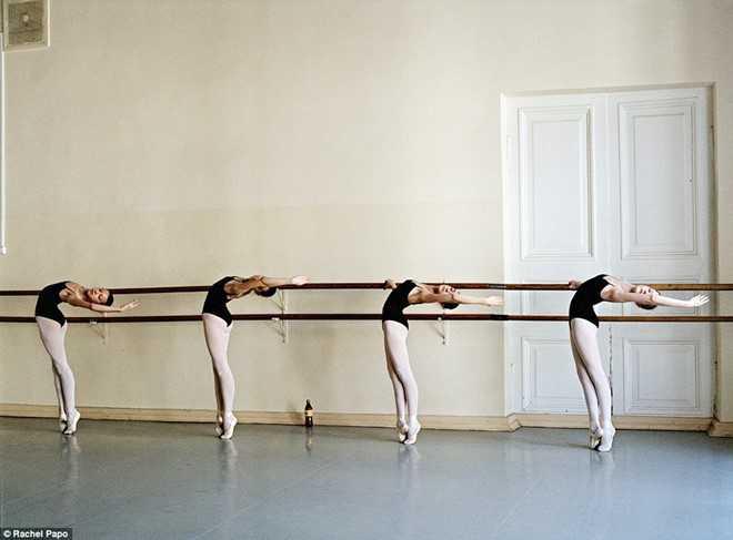 Kham pha ngoi truong day mua ballet noi tieng o Nga hinh anh 2