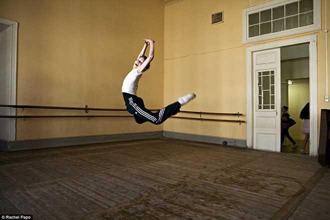 Kham pha ngoi truong day mua ballet noi tieng o Nga hinh anh 5