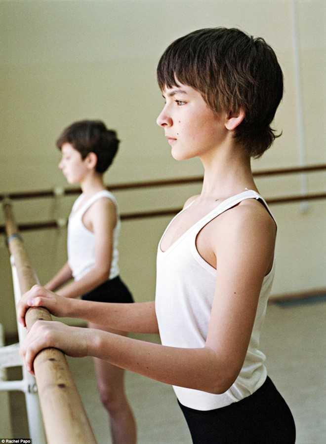 Kham pha ngoi truong day mua ballet noi tieng o Nga hinh anh 6