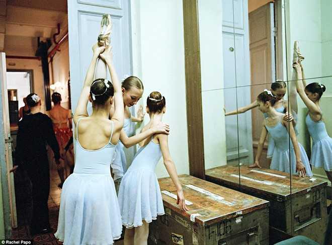Kham pha ngoi truong day mua ballet noi tieng o Nga hinh anh 7