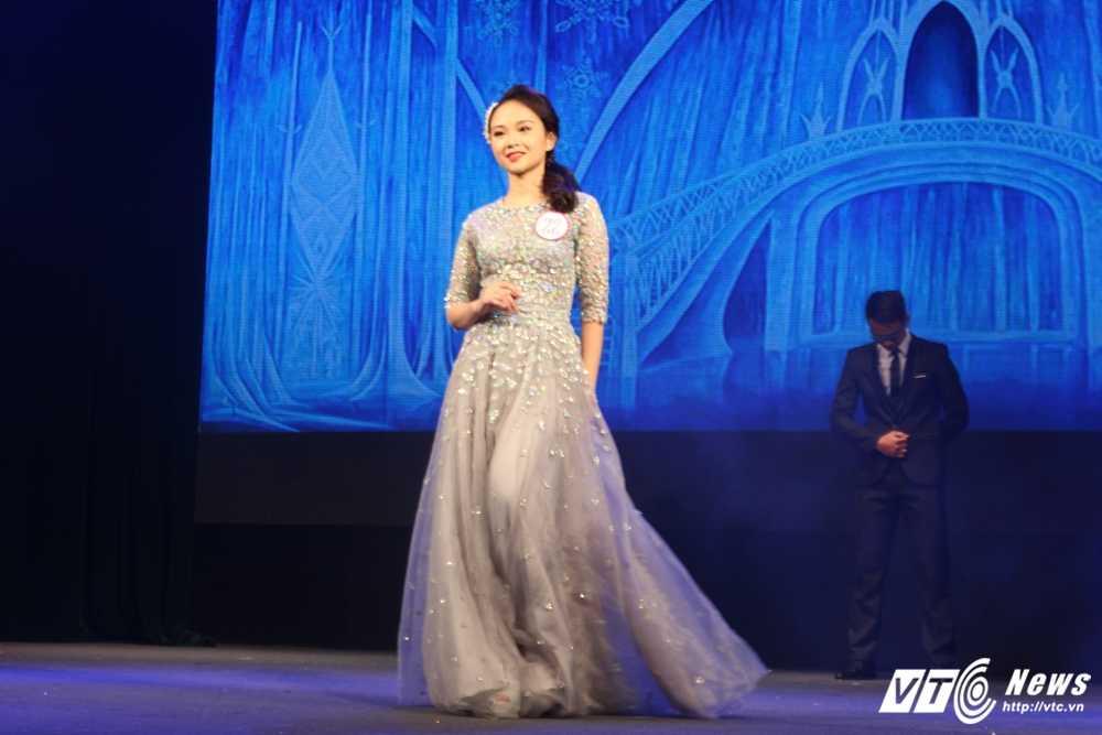 Nu sinh xinh dep dang quang 'Tai hoa duyen dang Duoc' 2016 hinh anh 9