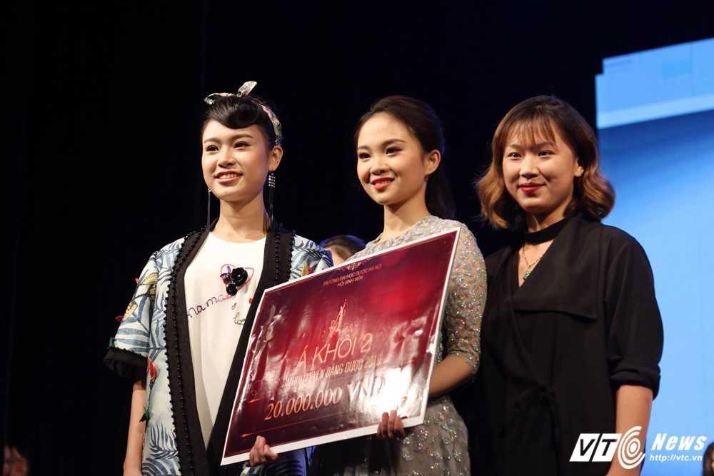 Nu sinh xinh dep dang quang 'Tai hoa duyen dang Duoc' 2016 hinh anh 19