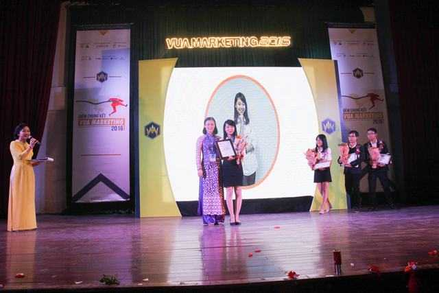 Nu sinh Hoc vien Tai chinh gianh ngoi vi quan quan 'Vua Marketing 2016' hinh anh 10