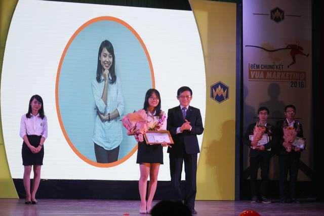Nu sinh Hoc vien Tai chinh gianh ngoi vi quan quan 'Vua Marketing 2016' hinh anh 9