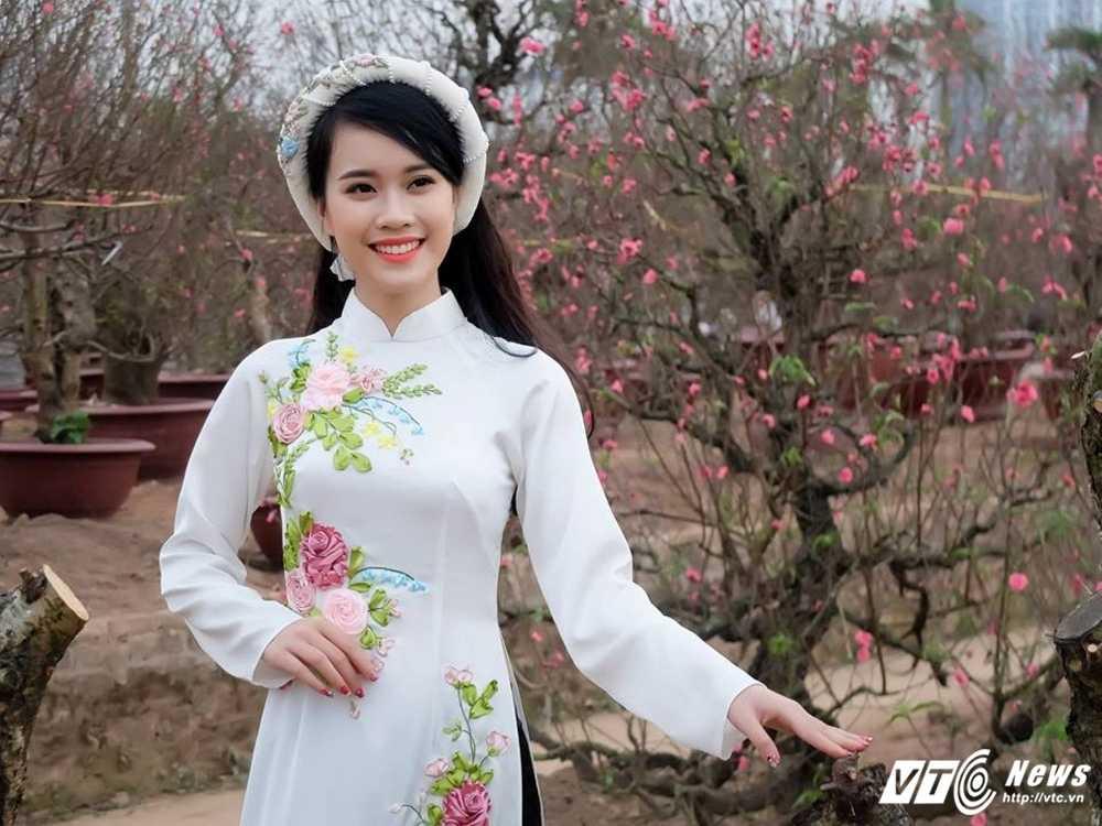 'Ban sao' hot girl Chi Pu khoe sac tham ben dao Xuan hinh anh 12