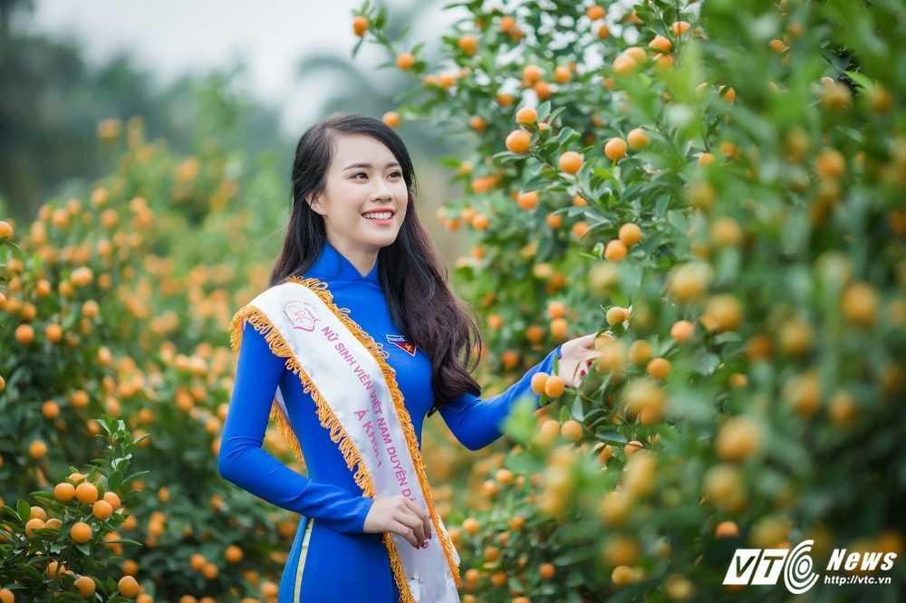 'Ban sao' hot girl Chi Pu khoe sac tham ben dao Xuan hinh anh 1