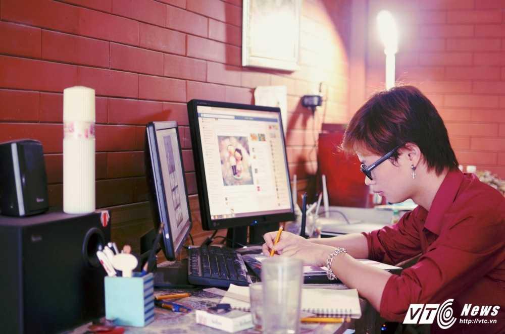 Chang hoa sy dien trai ve bo tranh 'Rong vang kute' lam xon xao dan mang hinh anh 2