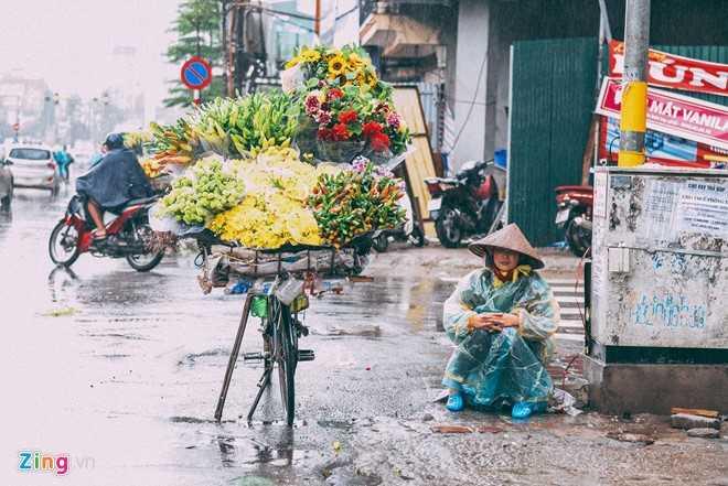 Canh doi muu sinh trong mua ret lay nuoc mat hang trieu nguoi hinh anh 1