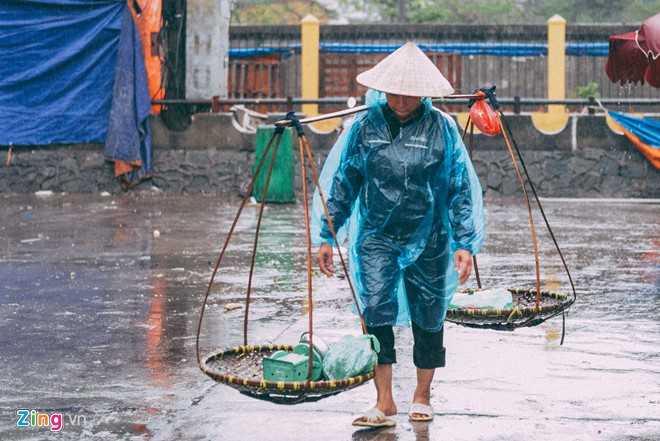 Canh doi muu sinh trong mua ret lay nuoc mat hang trieu nguoi hinh anh 7
