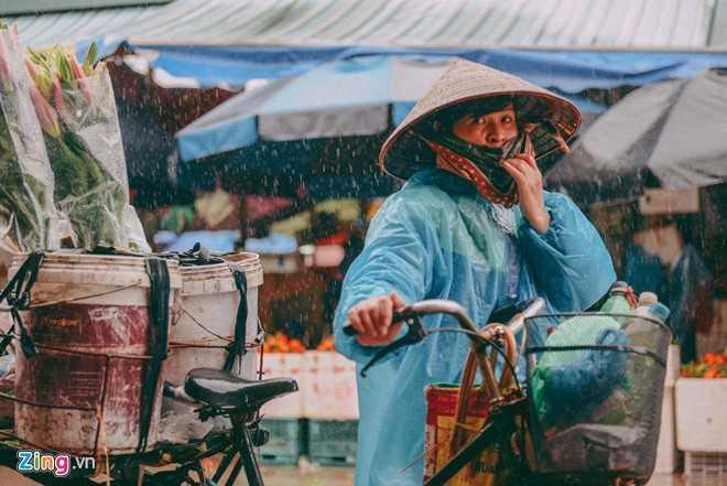 Canh doi muu sinh trong mua ret lay nuoc mat hang trieu nguoi hinh anh 10
