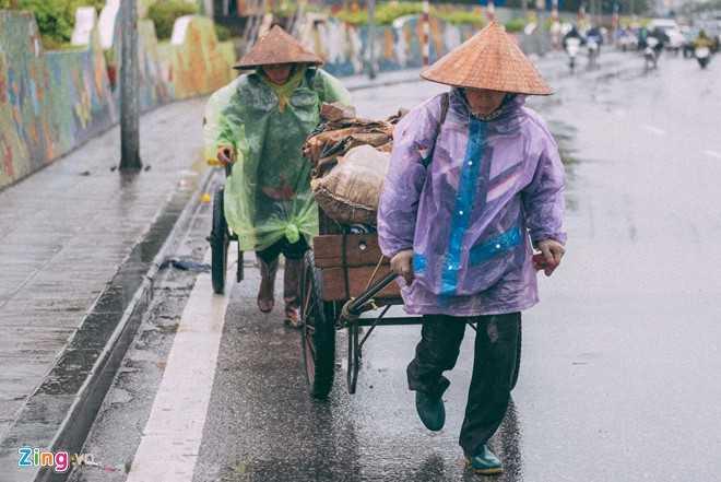 Canh doi muu sinh trong mua ret lay nuoc mat hang trieu nguoi hinh anh 8