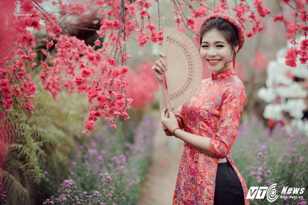 Hoa khoi sinh vien Ha Noi 2016 khoe sac ben dao Xuan don Tet hinh anh 1