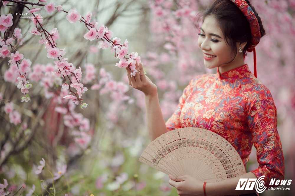 Hoa khoi sinh vien Ha Noi 2016 khoe sac ben dao Xuan don Tet hinh anh 7