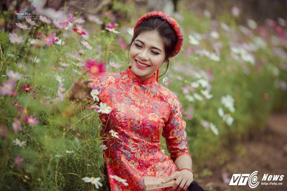 Hoa khoi sinh vien Ha Noi 2016 khoe sac ben dao Xuan don Tet hinh anh 9