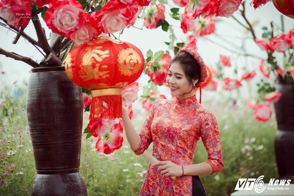 Hoa khoi sinh vien Ha Noi 2016 khoe sac ben dao Xuan don Tet hinh anh 8
