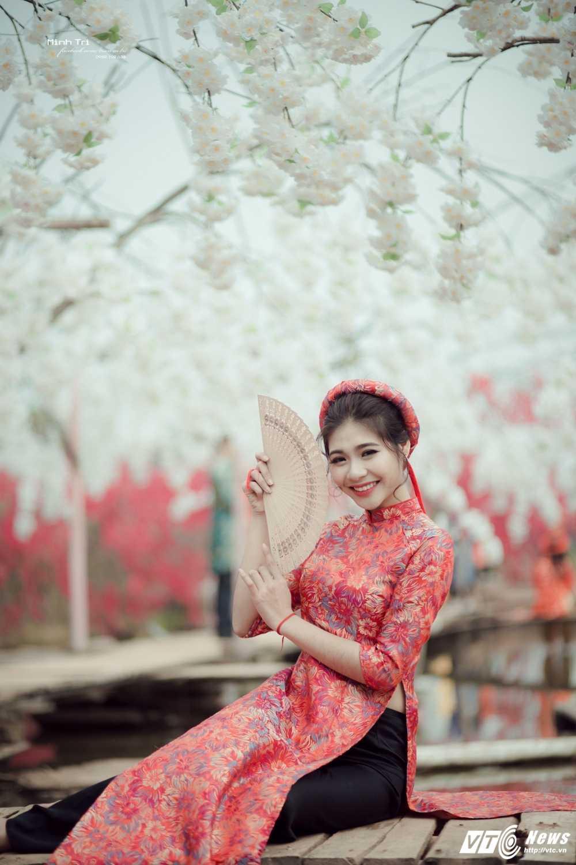 Hoa khoi sinh vien Ha Noi 2016 khoe sac ben dao Xuan don Tet hinh anh 12