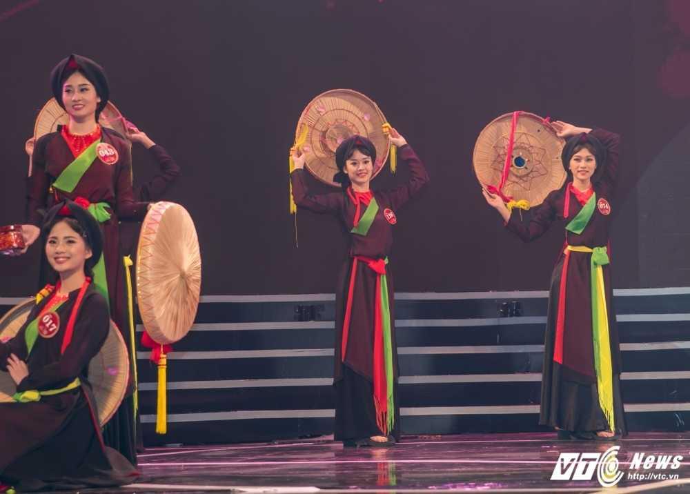 Hot girl Dai hoc Phong chay chua chay lot top 10 'Nguoi dep Kinh Bac 2017' hinh anh 4