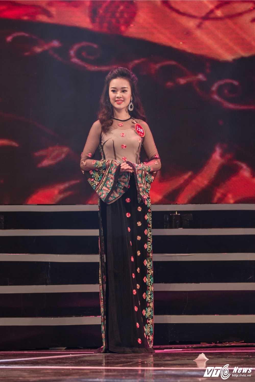 Hot girl Dai hoc Phong chay chua chay lot top 10 'Nguoi dep Kinh Bac 2017' hinh anh 2