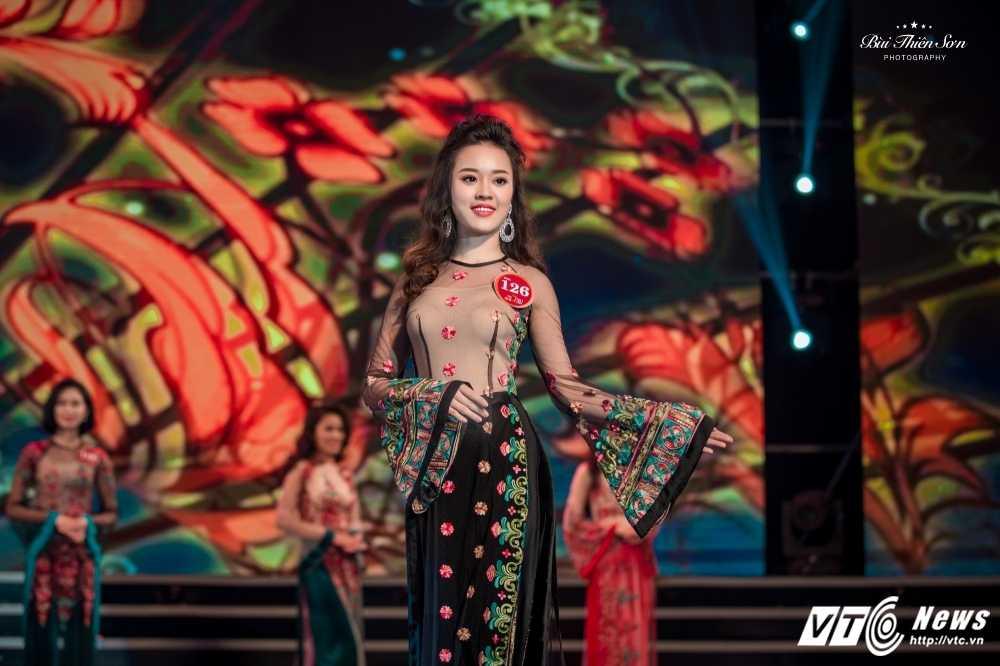 Hot girl Dai hoc Phong chay chua chay lot top 10 'Nguoi dep Kinh Bac 2017' hinh anh 5