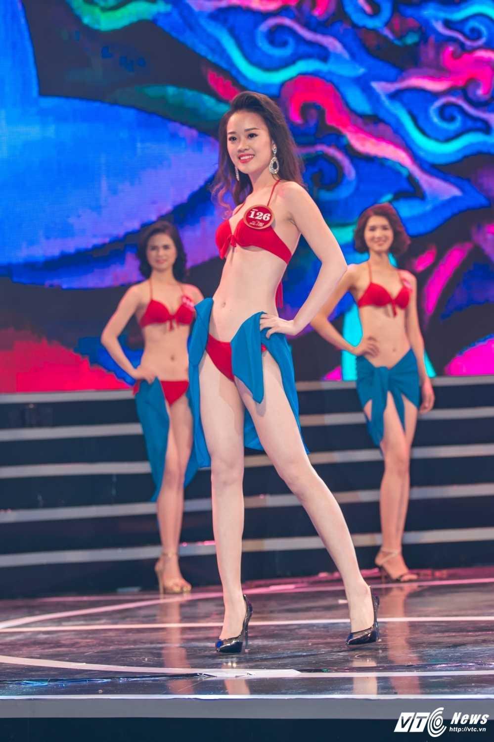 Hot girl Dai hoc Phong chay chua chay lot top 10 'Nguoi dep Kinh Bac 2017' hinh anh 6