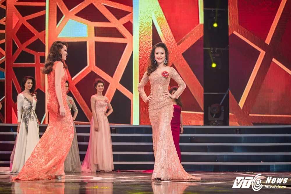 Hot girl Dai hoc Phong chay chua chay lot top 10 'Nguoi dep Kinh Bac 2017' hinh anh 8