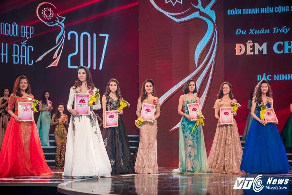 Hot girl Dai hoc Phong chay chua chay lot top 10 'Nguoi dep Kinh Bac 2017' hinh anh 10