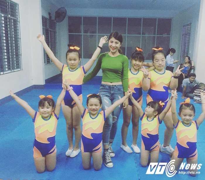 Co giao tre day aerobic duoc vi la 'ban sao' Hoa hau Ngoc Han hinh anh 5