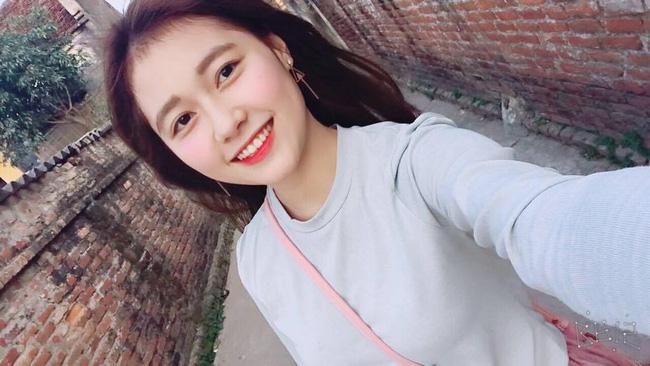 Nu cuoi toa nang cua 'ban sao' hot girl Kha Ngan hinh anh 11