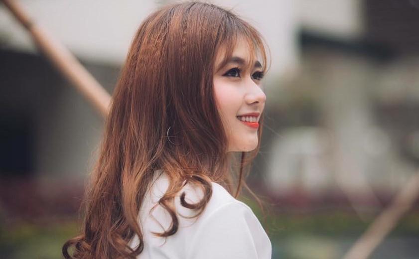 Nu cuoi toa nang cua 'ban sao' hot girl Kha Ngan hinh anh 9