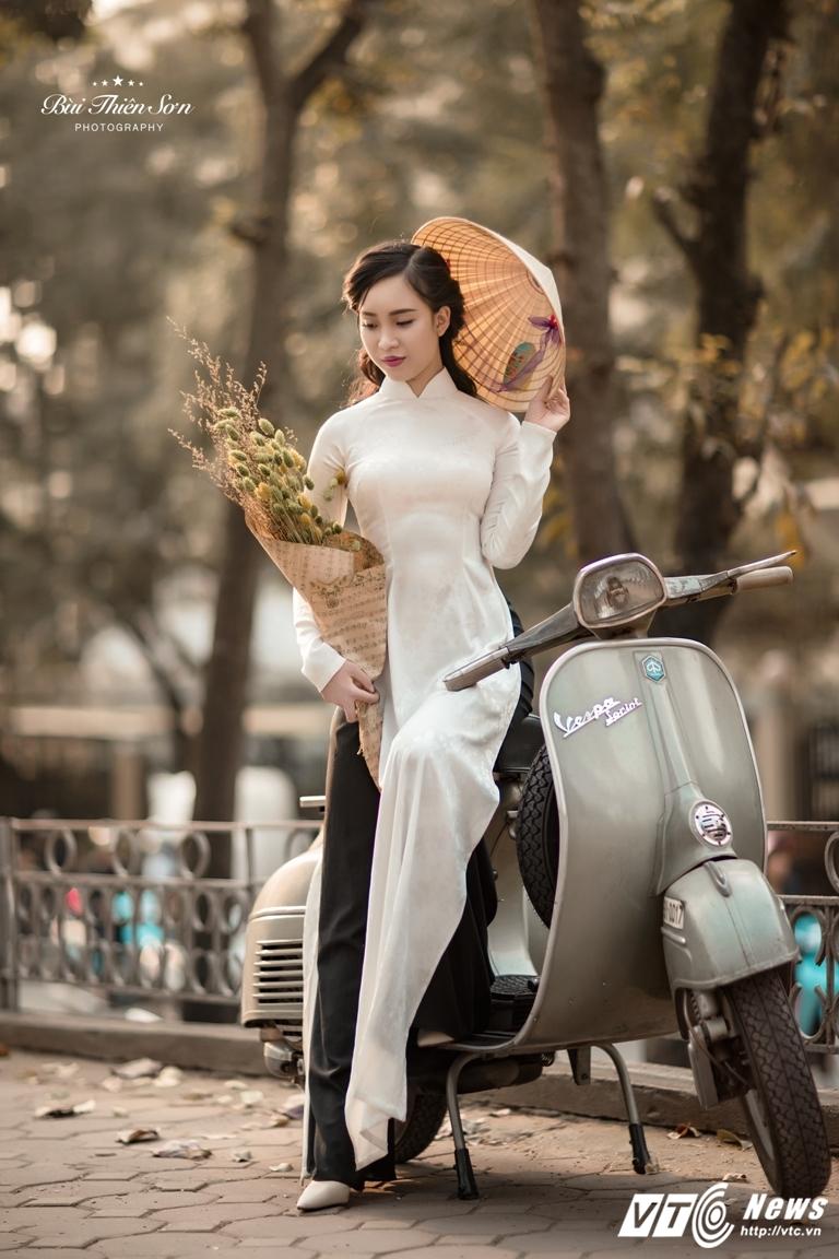 Thieu nu Ha thanh khoe dang yeu kieu tren pho Ha Noi mua thay la hinh anh 9
