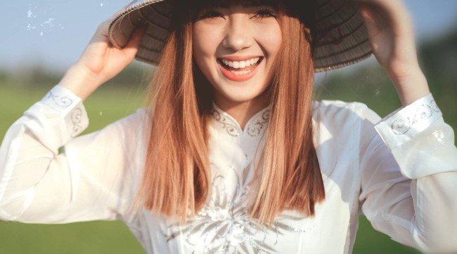 Hot girl Thai Lan cover 'Beo dat may troi' gio ra sao? hinh anh 2