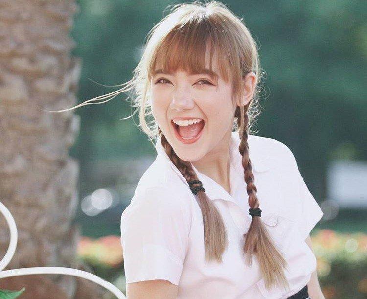Hot girl Thai Lan cover 'Beo dat may troi' gio ra sao? hinh anh 6