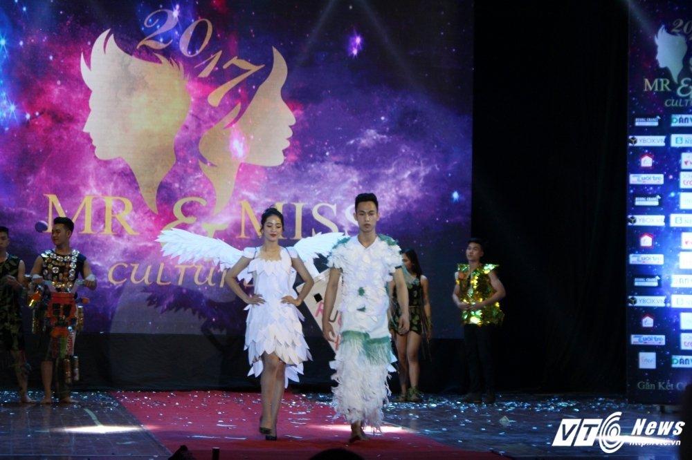 Lo dien cap doi tai sac nhat 'Mr and Miss culture' 2017 hinh anh 5