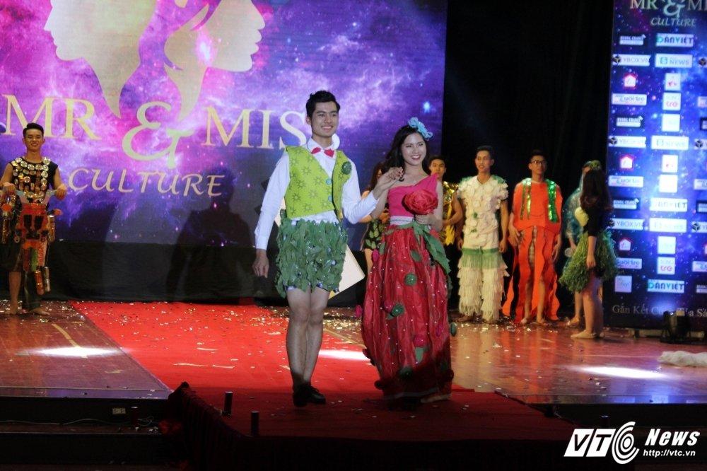 Lo dien cap doi tai sac nhat 'Mr and Miss culture' 2017 hinh anh 8