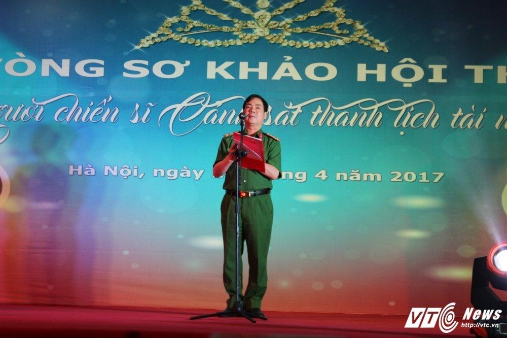 Nu sinh canh sat bieu dien vo Binh Dinh tren san khau tai nang hinh anh 4