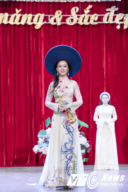 Hot girl DH Phong chay Chua chay gianh A khoi 3 'Miss Vietnam Photo Model' hinh anh 2