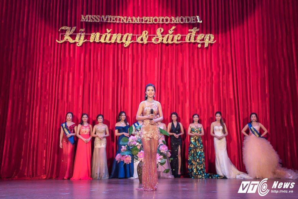 Hot girl DH Phong chay Chua chay gianh A khoi 3 'Miss Vietnam Photo Model' hinh anh 3