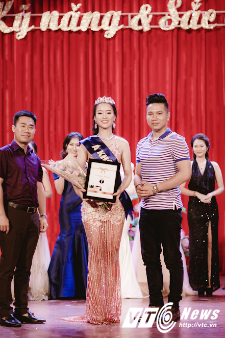 Hot girl DH Phong chay Chua chay gianh A khoi 3 'Miss Vietnam Photo Model' hinh anh 4