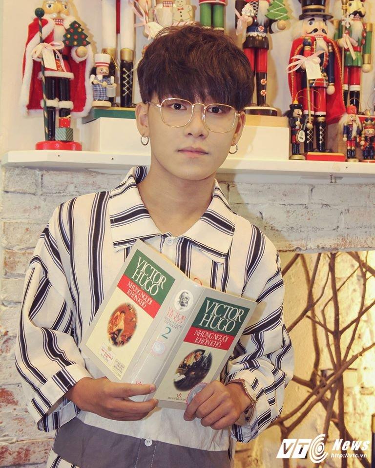 Hot boy xu Hue tiep tuc gay bao voi ban mashup 'Yeu' hinh anh 1
