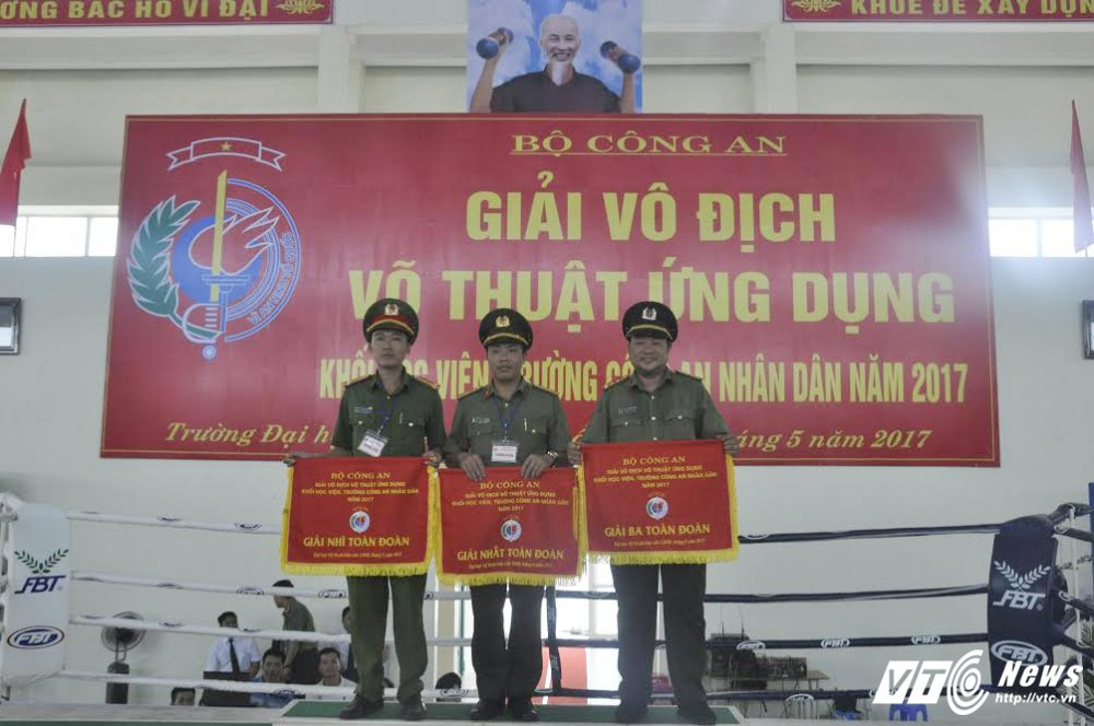 DH Ky thuat – Hau can gianh giai nhat 'Giai vo dich vo thuat ung dung' khoi hoc vien, truong CAND 2017 hinh anh 3